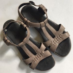 Like new Keen leather sandals